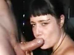 Young girl seduces cock with her mouth