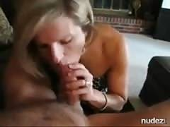 Married cougar sucking younger cock