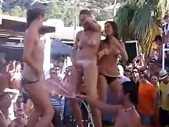 3 Partygirls Go Naked Crazy On Vacation