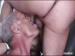 sperm eating bi cuckold eats wifes creampie