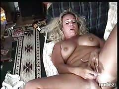 blondy milf playing her pussy for me