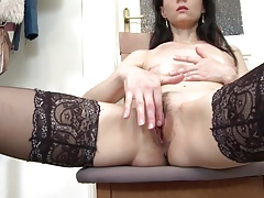 Skinny sexy mother with thirsty vagina
