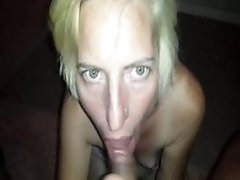Craigslist Cougar Gives Me A Funny Vacuum chick giving head