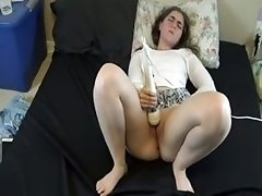 First Experience With The Magic Wand Her Legs Shiver When She Cums