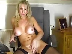 Sexy mother Id like to fuck brings web camera wetness