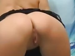 I am fondling my body in homemade fingering pussy vid