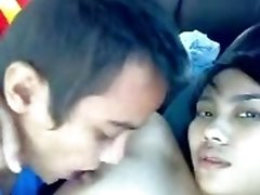 amateur asian teen Gets Her Tits Sucked And Pussy Fingered In Her BF039s Car